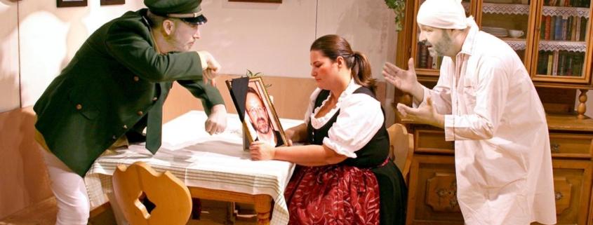 Szene aus Aufführung Volkstheaterstück in Kieferfelden