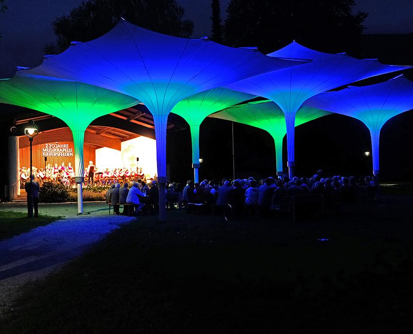 Abendliches Konzert der Blasmusikkapelle Kiefersfelden im Kurpark Kiefersfelden