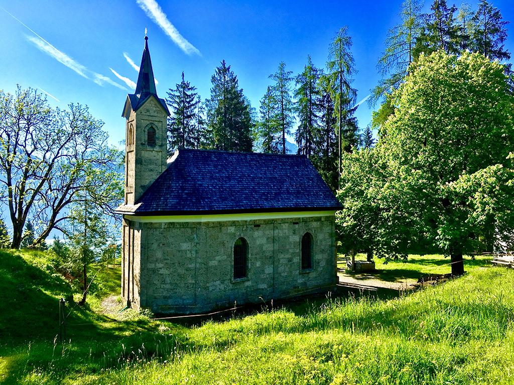 Baudenkmal steinerne Kapelle auf Berganhöhe über Kiefersfelden