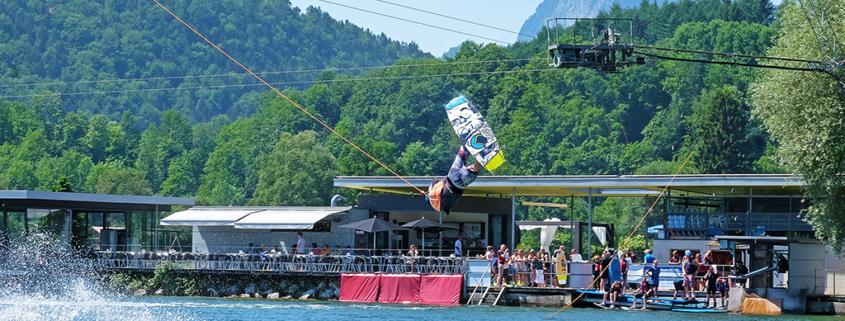 Liftanlage für Wasserski und Wakeboard am Hödenauer See